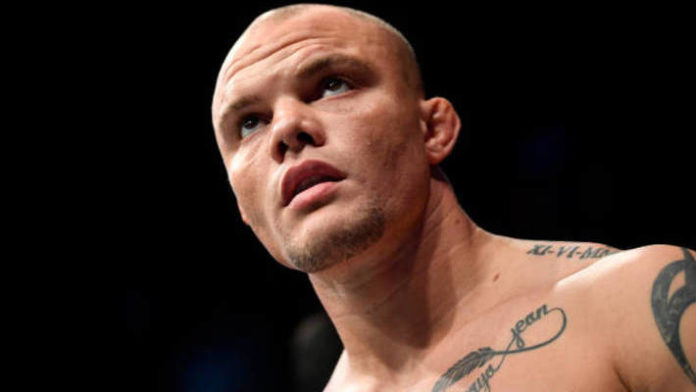 Anthony Smith challenges UFC Hamburg