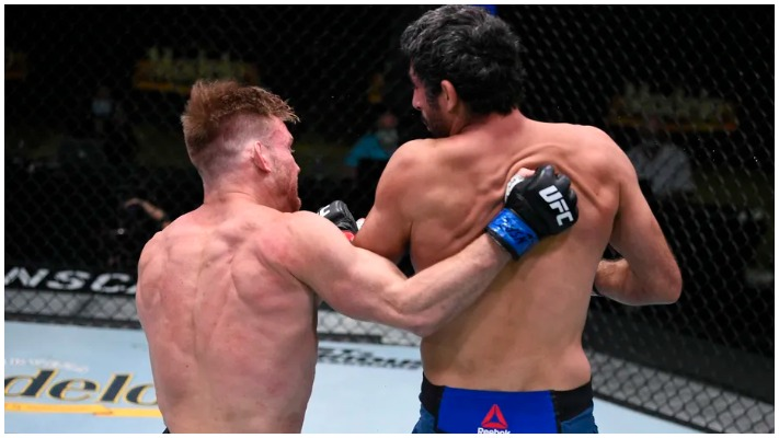 Beneil Dariush knocking out Scott Holtzman With A Spinning Back-Fist